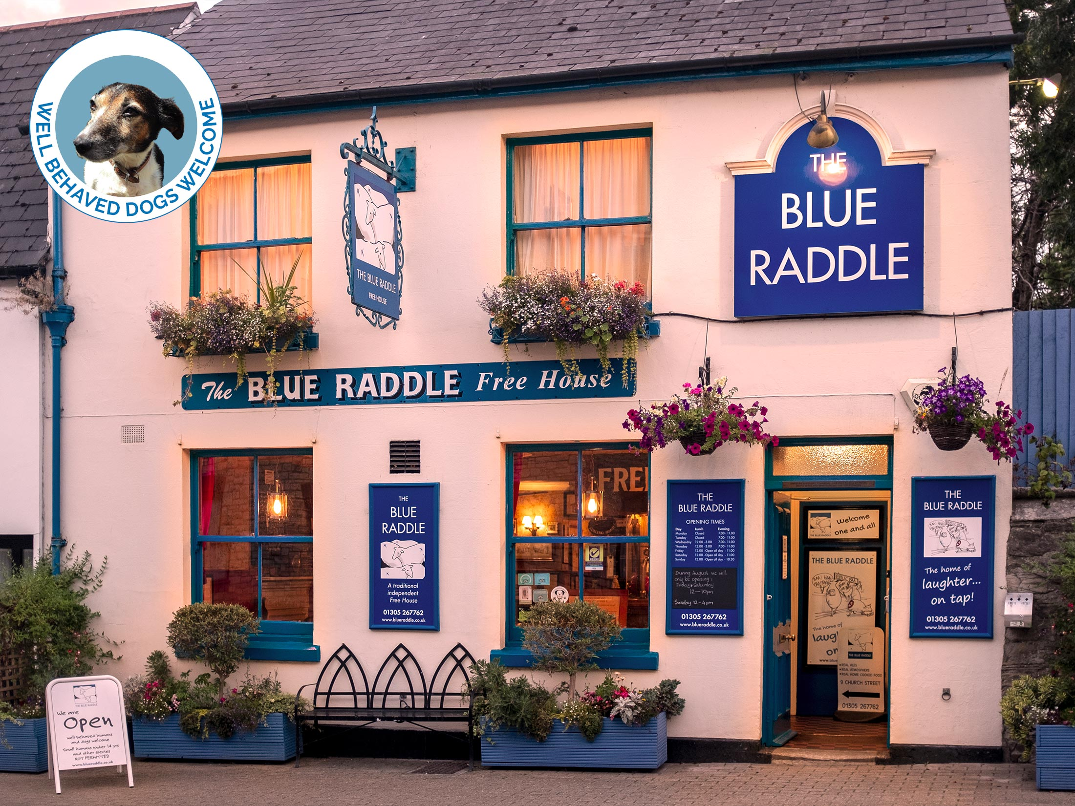 The Blue Raddle - Pub in Dorchester, Dorset - Outside view